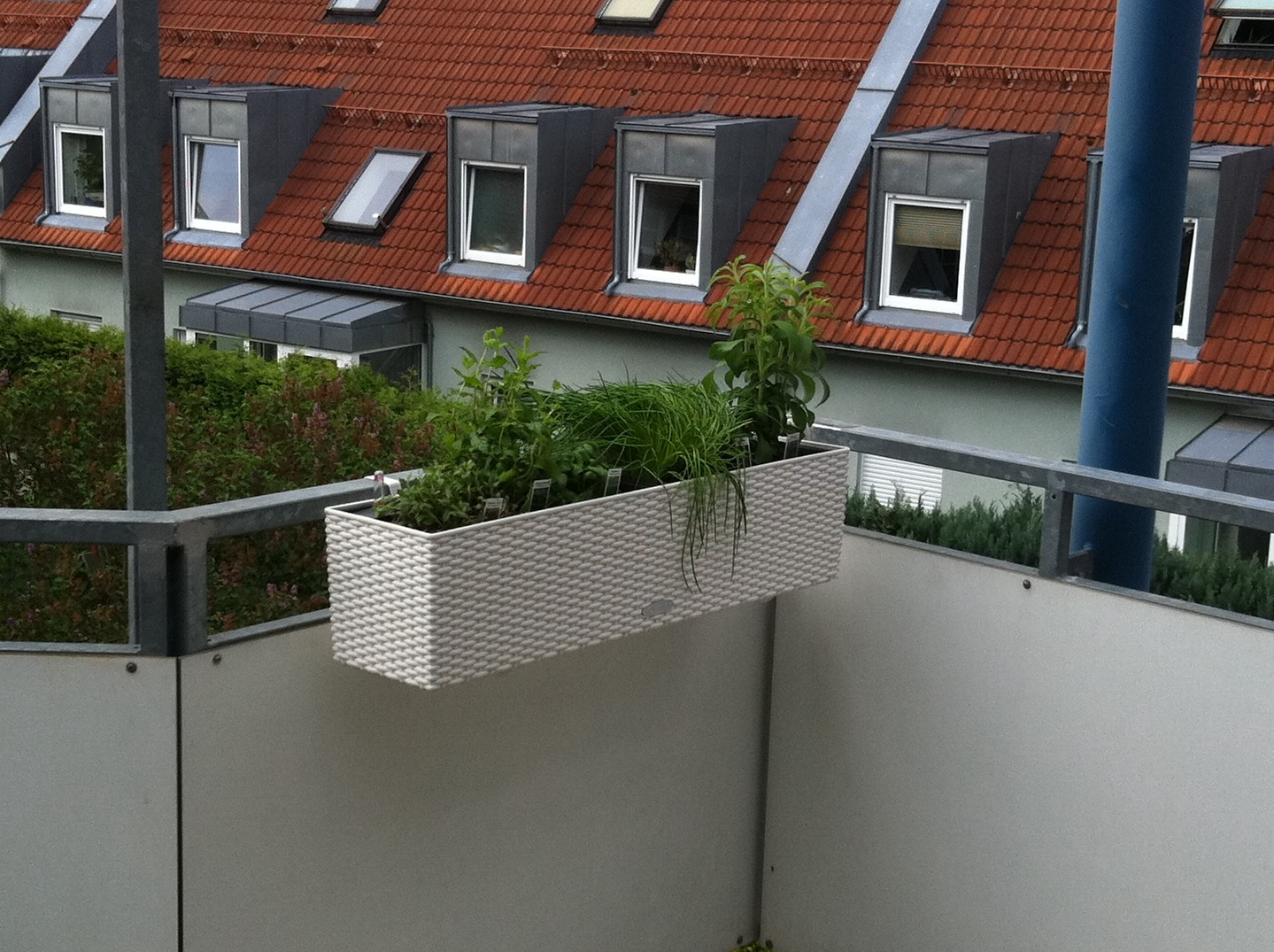 balkonien. Black Bedroom Furniture Sets. Home Design Ideas